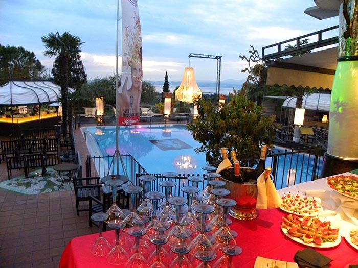 Bardolino, cena in piscina a lume di candela