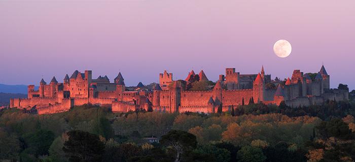Paese Cataro, il medioevo francese tra castelli, abbazie e cittadelle