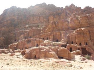 Petra case grotta