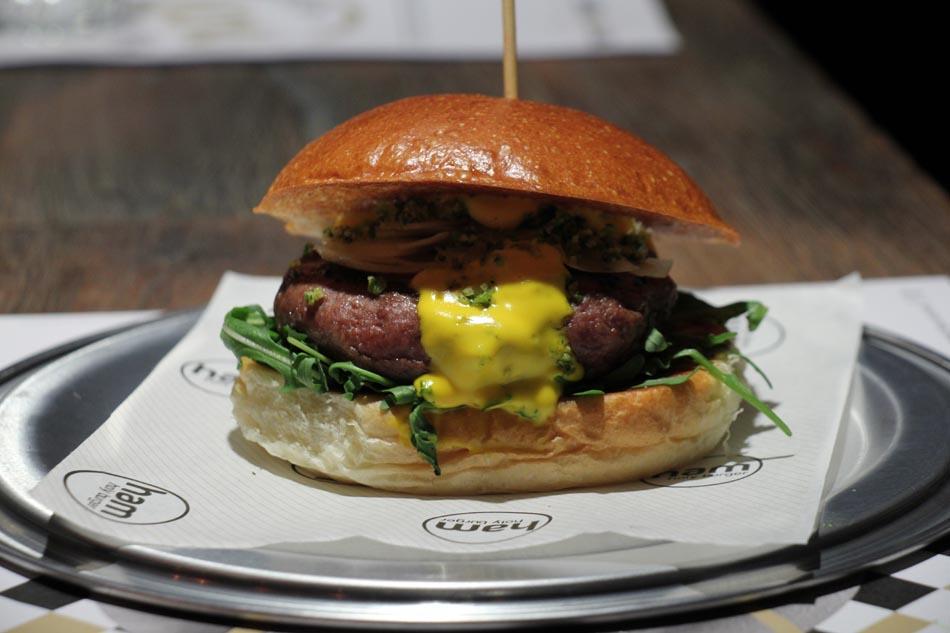 Ham Holy Burger, un Sorriso allo Zafferano battezza la quarta apertura milanese