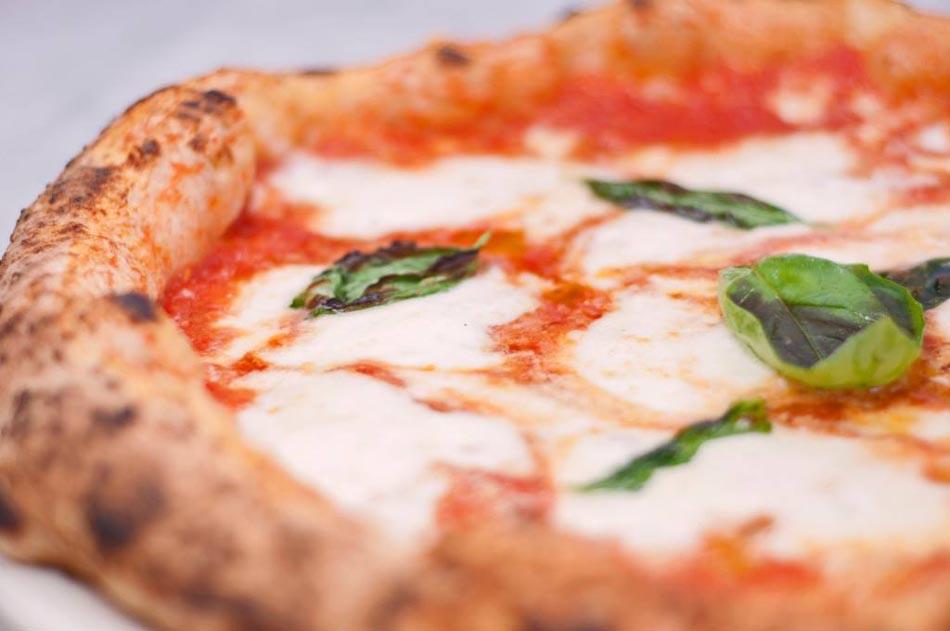 Pizza, un corso universitario online per carpirne i segreti